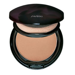 sue-devitt-foundation-shiseido-250