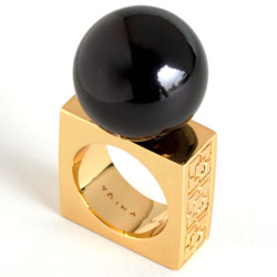 cocktail-rings-trina-turk-resin-ball-ring-250